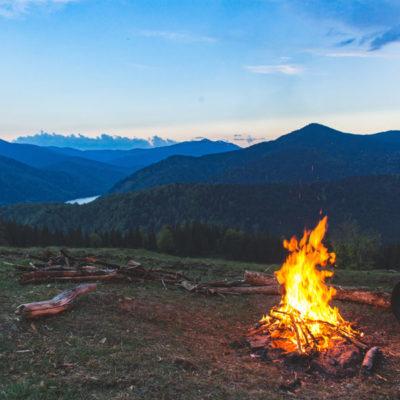 6.Copy-of-bonfire-camp-campfire-1061640